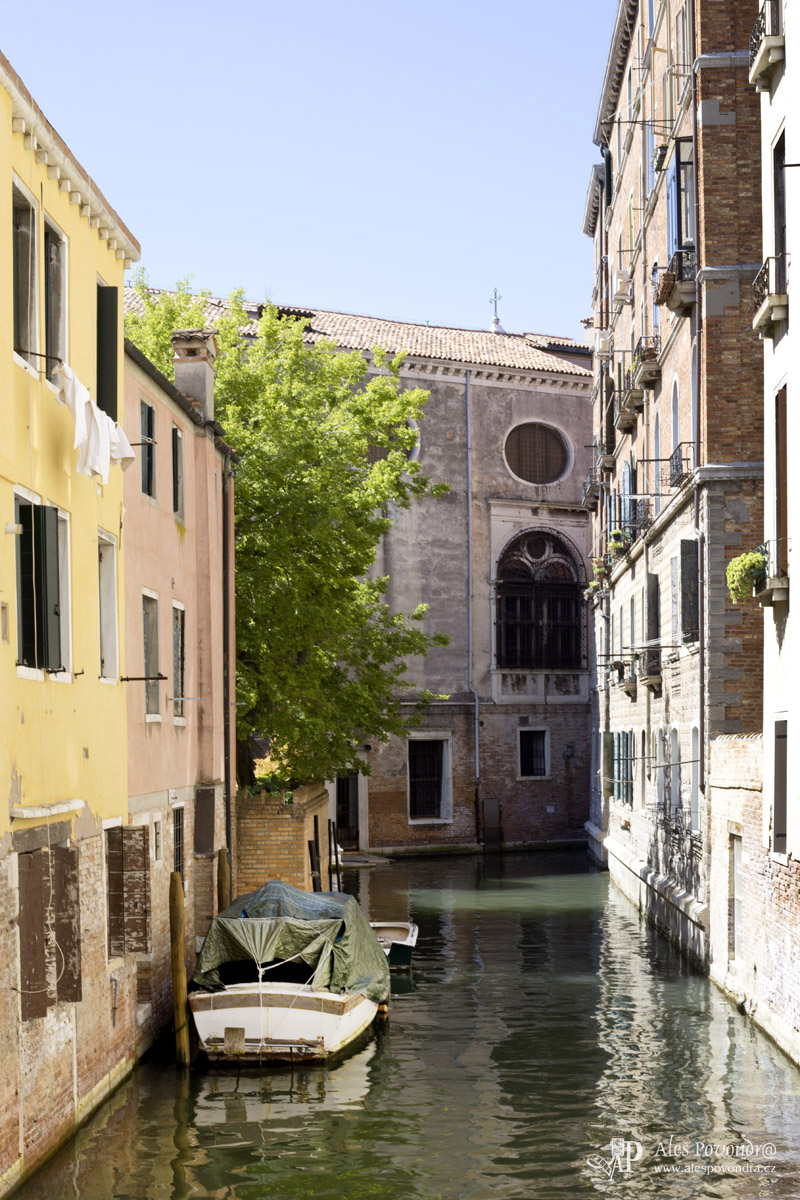 Benátky kanál foto
