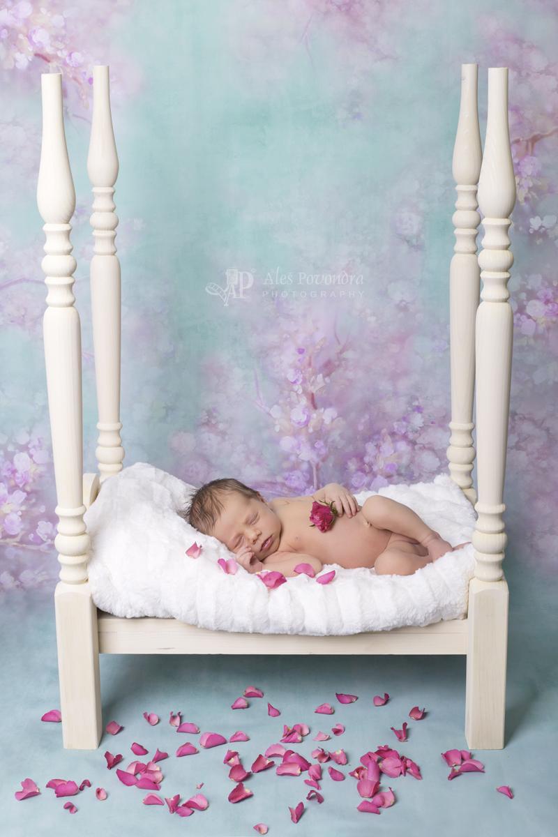 Newborn růžová