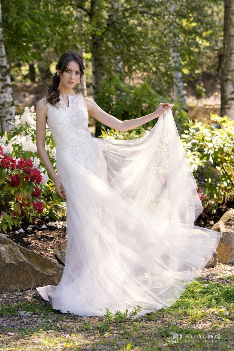 svatební focení - šaty
