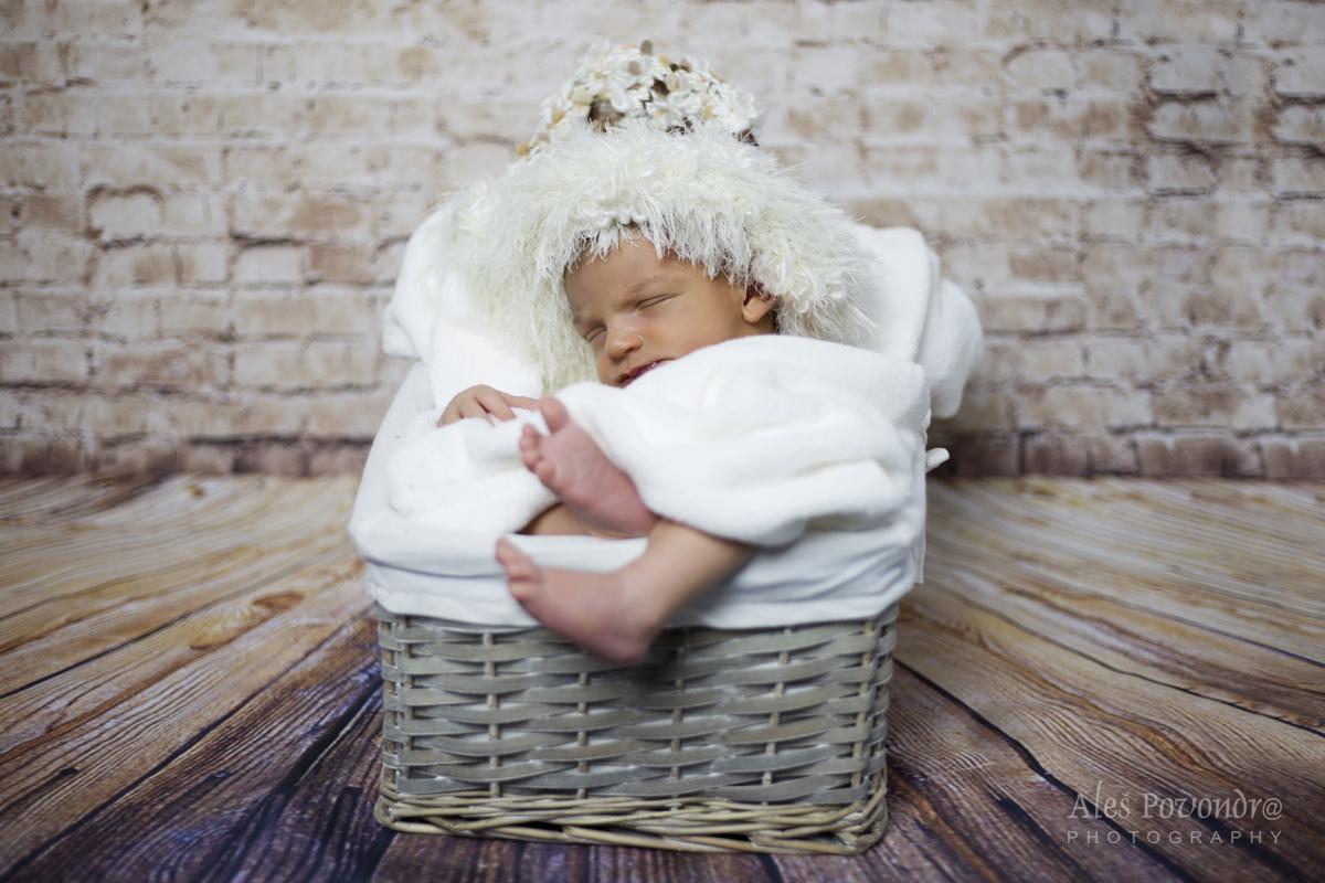 Tobiáš newborn foto
